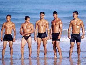 thumb3_sexy_men_on_the_beach